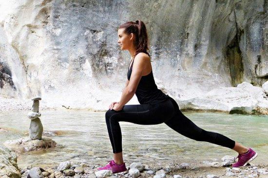 ヨガと筋トレ+有酸素運動 ダイエット効果の高い順番は